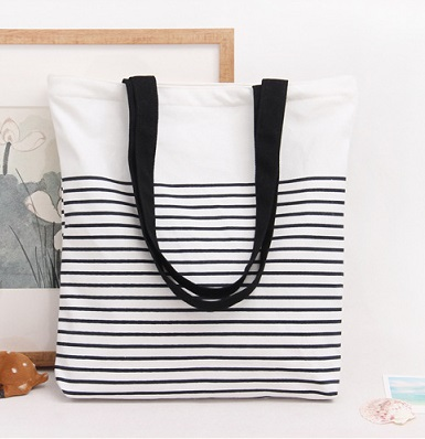 Black Simple tote bag